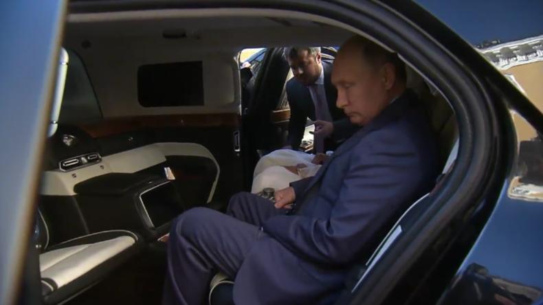 Stolz wie Bolle: Putin präsentiert Kronprinzen von Abu Dhabi seine neue russische Limousine
