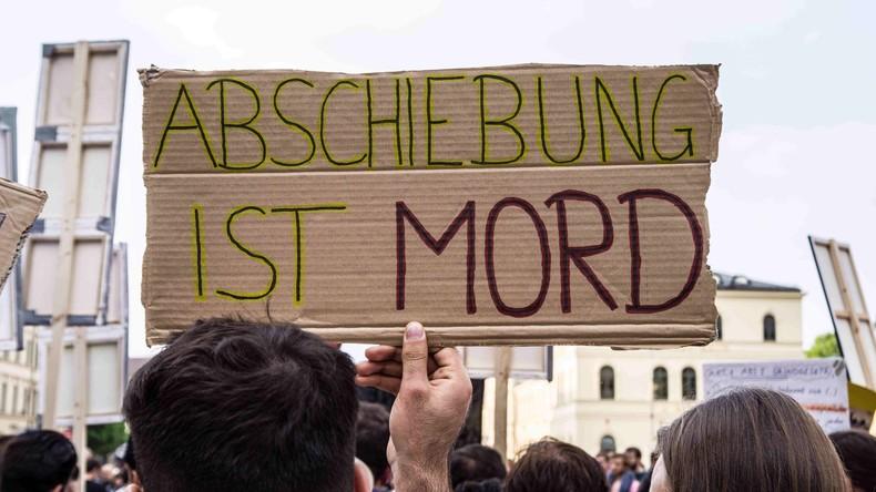 Bayern beschließt eigenen Asylplan mit Abschiebungen