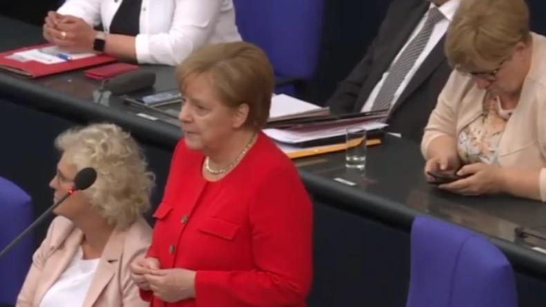 """Bundestag: """"Frau Merkel, werden Sie Ihren destruktiven US-hörigen Sonderweg weitergehen?"""""""