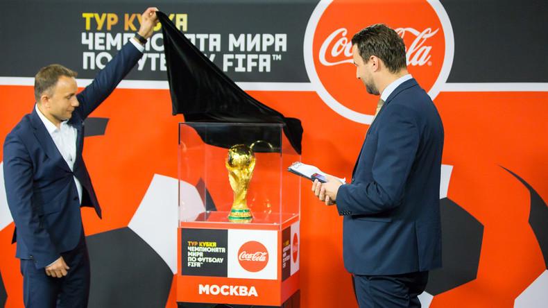 Der goldene Gast: Pokal der Fußball-Weltmeisterschaft im Studio von RT (Video)