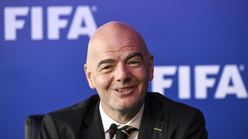 """FIFA-Präsident: """"Russland für Fußball-Weltmeisterschaft zu 100 Prozent gerüstet"""""""