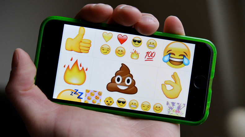 Scherz oder Hasskommentar? Facebook-Moderatoren lernen, Emojis auszuwerten