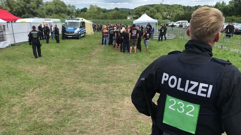 Gericht kippt teilweise Alkoholverbot bei Neonazi-Konzert in Themar