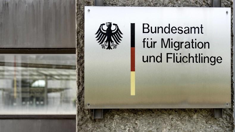BAMF sucht bei 35.000 Asylverfahren womöglich fehlende Fotos und Fingerabdrücke