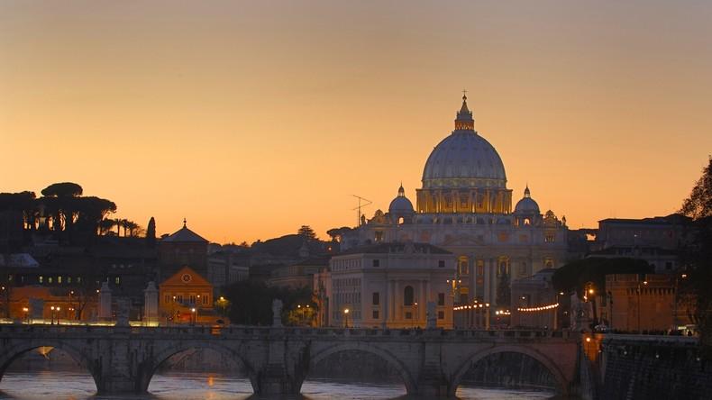 Ein Gottesgeschenk? Anonymer Wohltäter hinterlässt 36.000 Euro im Beichtstuhl einer Kirche