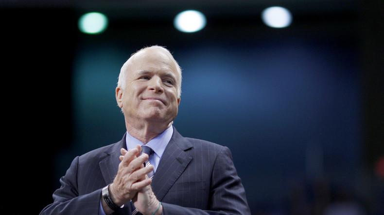 Der White-Collar-Kriminelle John McCain: Vom Bruchpiloten zum Mafia-Zögling (Teil 1)