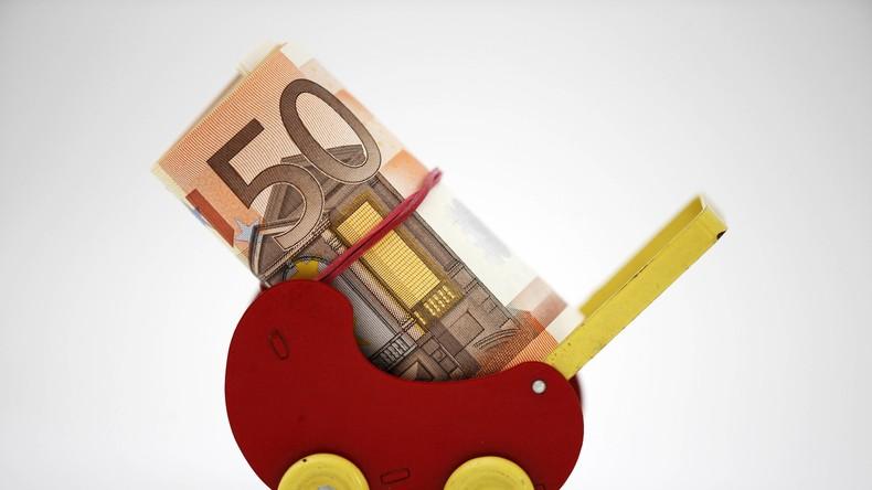 """Dauerskandal"": Fast 50 Milliarden Euro Kindergeld bei Hartz IV angerechnet"
