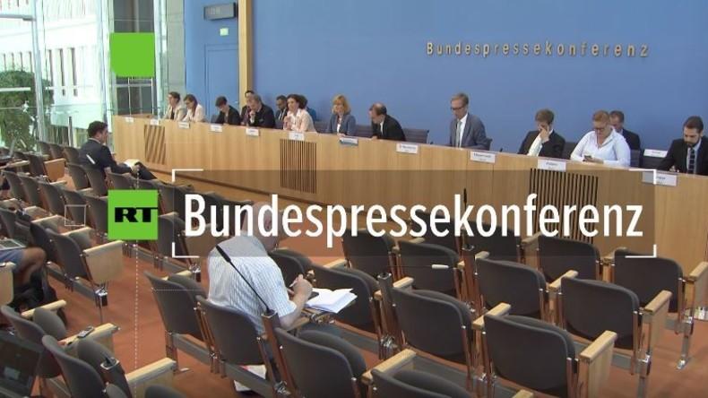 Regierungspressekonferenz: Ukrainische Panzer in Bayern, Parteienförderung durch deutsche Stiftungen
