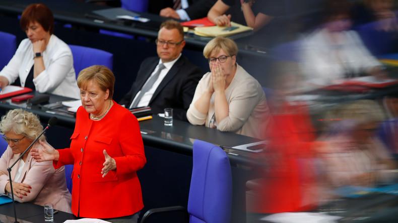 Kanzlerin Angela Merkel: Inszenierung einer selbstreferenziellen Demokratie