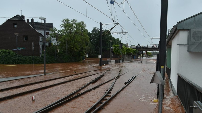 Schwere Unwetter in Süddeutschland - Reutlinger Hauptbahnhof gesperrt