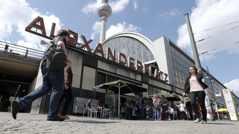 Berlin-Mitte: Bauarbeiter finden Frauenleiche, Polizei vermutet Verbrechen von vor 50 Jahren