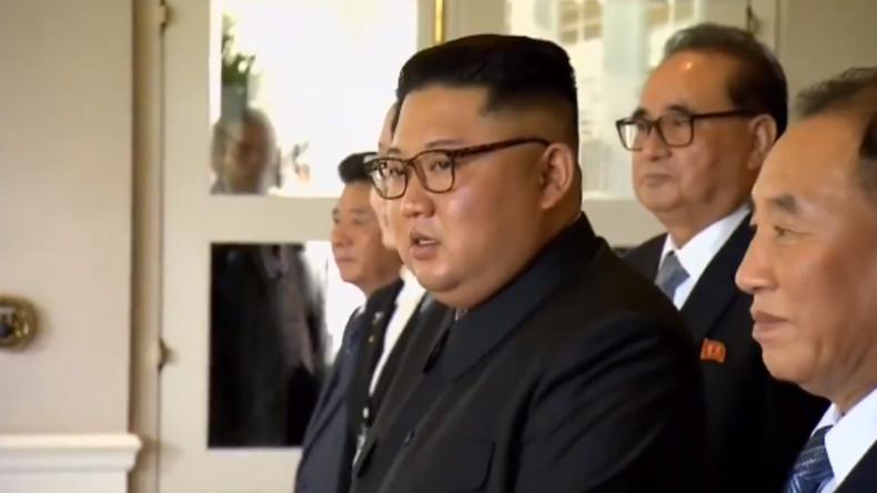 """""""Sehen wir nett, schön und schlank aus?"""" - Kim Jong-uns Reaktion auf Trumps Ansage an Fotografen"""