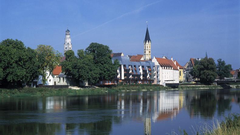 Bayern: Bürgermeister bricht in Stadtratssitzung zusammen und stirbt