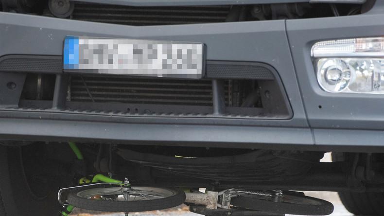 Tödlicher Verkehrsunfall in Spandau: Achtjähriger Junge von Lastwagen überrollt