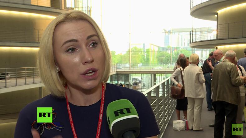 """Ukrainische Journalistin: """"Reporter ohne Grenzen verschweigen die Situation in der Ukraine"""" (Video)"""