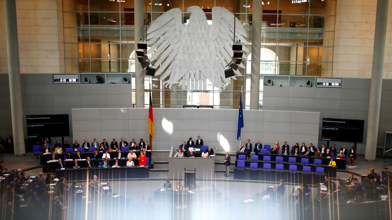 Bundestag beschließt Neuregelung zum Familiennachzug für Flüchtlinge