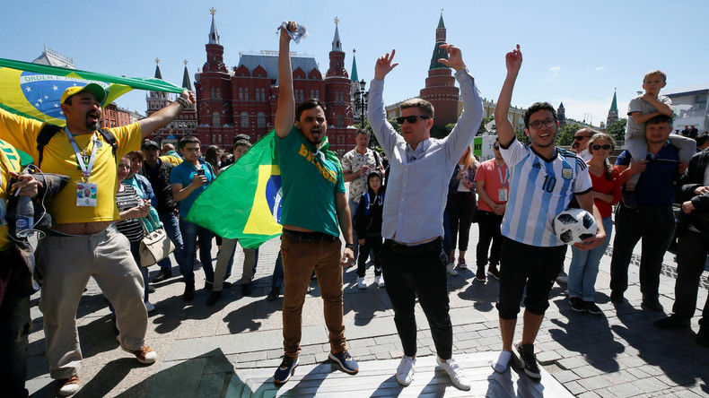 WM Spezial: Fans loben Stimmung in Moskau - Özil und Gündogan immer noch Reizthema (Video)
