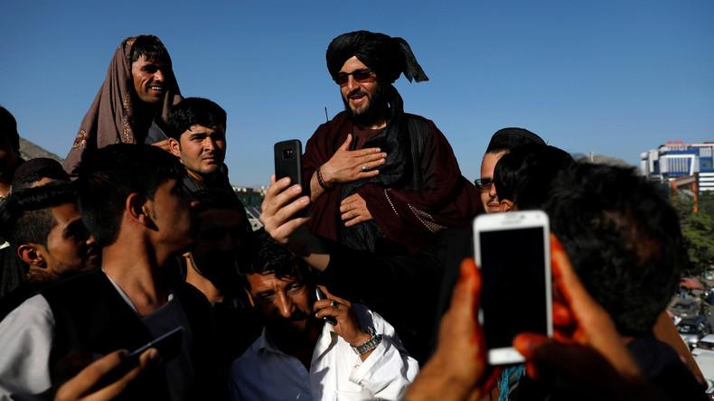 Feuerpause in Afghanistan: Taliban-Kämpfer besuchen Kabul, 20 Tote bei Anschlag in Nangarhar