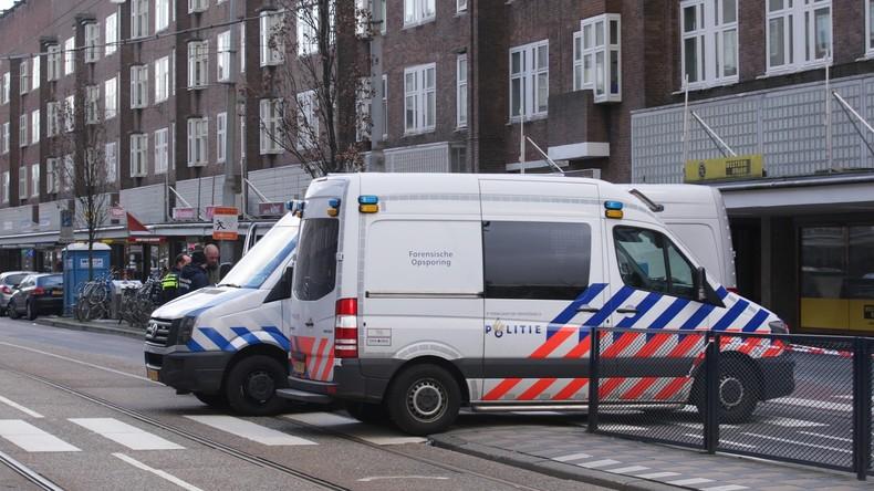 Kleinbus fährt bei Festival in Besuchergruppe: Ein Toter, drei Verletzte - Verursacher gefasst