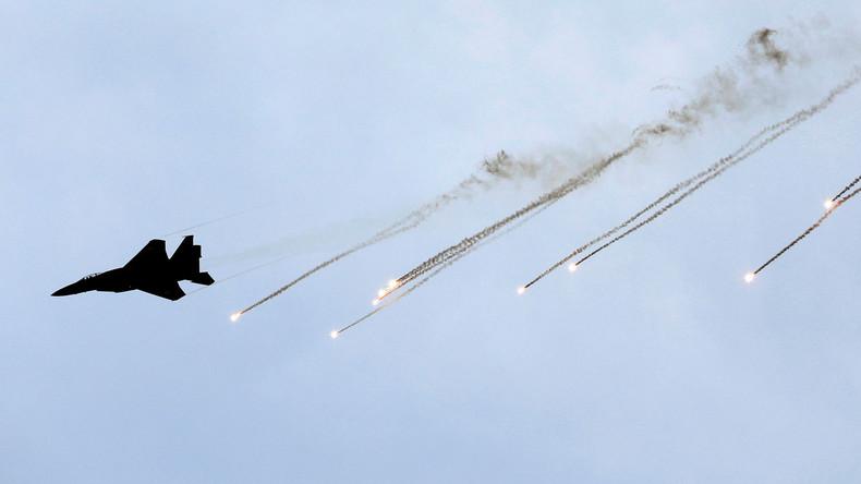 """Israelische Armee bombardiert Gazastreifen als Reaktion auf """"explosive Drachen und Luftballons"""""""
