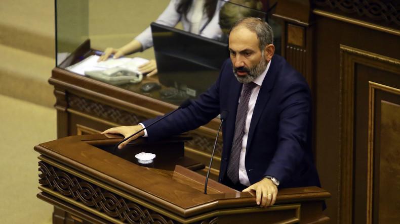 Premierminister Armeniens: Ohne Volksvertrauen an der Macht festzuhalten, ist absurd (Video)
