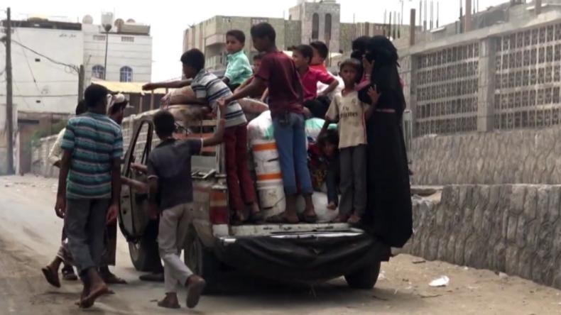 Jemen: Schwere Bombardements - Saudi-Arabien bombardiert wichtigsten Hafen für Lebensmittel