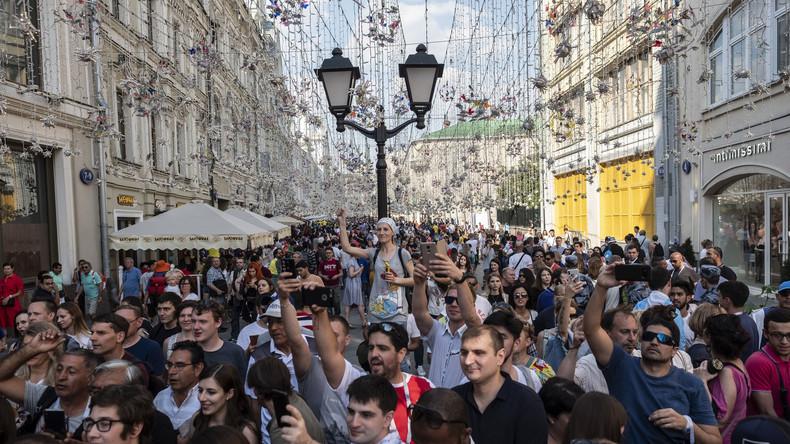 Fußball 1, Politik 0: Ukrainer fiebern millionenfach bei der Fußball-WM mit