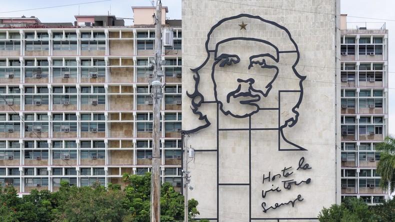 """""""Kommunismus wird siegen"""": Kadett mit Che-Guevara-T-Shirt aus US-Armee geworfen"""