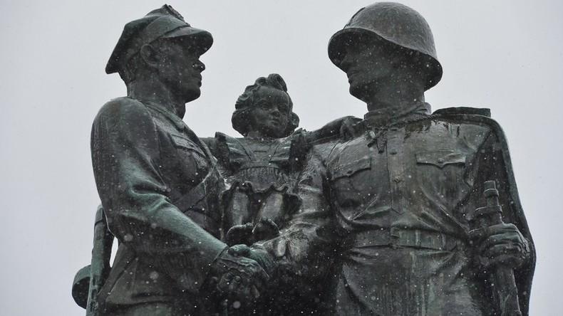 Duma-Abgeordneter will Sowjet-Denkmäler aus Polen verlegen, um sie vor Abriss zu retten