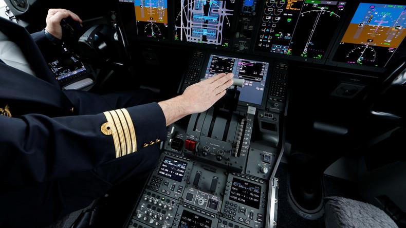 Bist du nicht willig, so brauch ich Gewalt: Pilot verjagt Gäste mit voller Klimaanlage aus Flugzeug