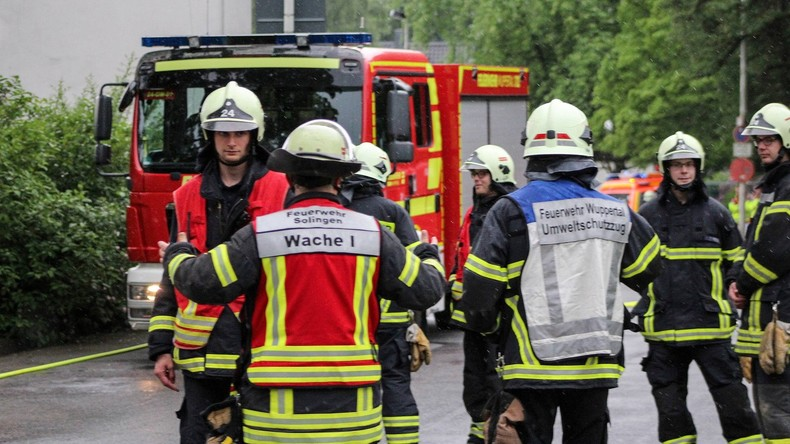 Wohnhaus explodiert in Wuppertal - Mehrere Verletzte