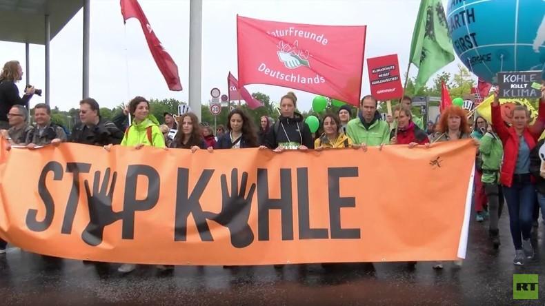 Deutschland: Umweltaktivisten protestieren in Berlin gegen Kohle-Nutzung