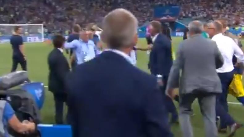 Video zeigt Handgemenge zwischen deutscher und schwedischer Trainerbank nach Sieg in Sotschi