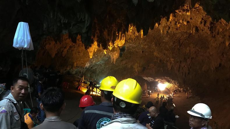 Fußballmannschaft in Thailand in Höhle eingeschlossen – Rettungseinsatz dauert an
