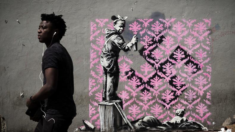 Street-Art-Künstler Banksy nimmt französische Migrationspolitik mit neuen Werken ins Visier