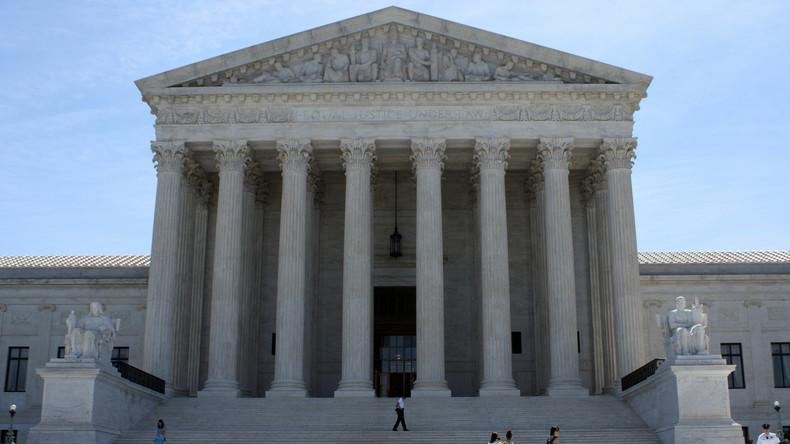 Höchstes US-Gericht gibt Trump bei Einreiseverbot recht