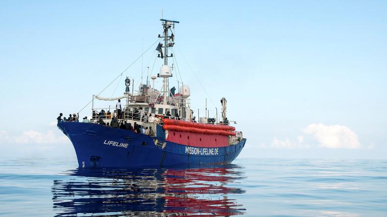 """Land in Sicht: Rettungsschiff """"Lifeline"""" darf nach Malta - unter Bedingungen"""