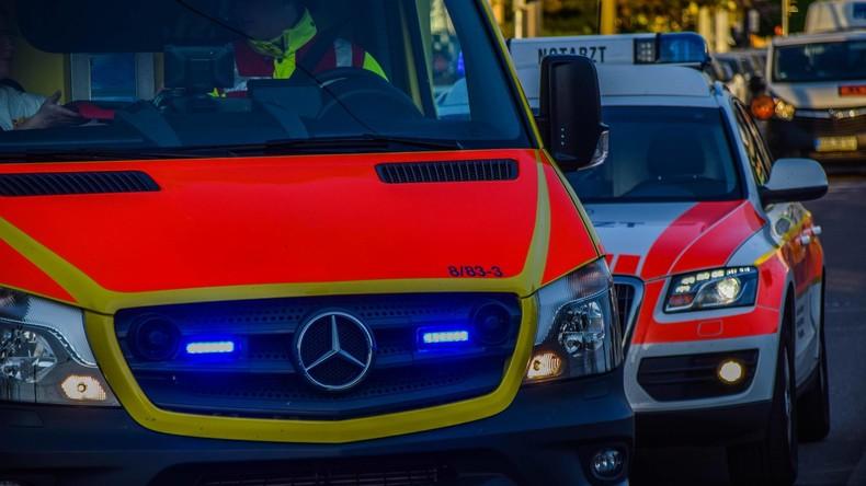 Hamburg: 88-Jähriger stürzt mit Auto aus Parkhaus in den Tod