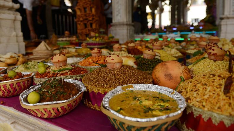Der Hölle Rache kochte im Herzen: Inderin vergiftet Gäste, die ihre Kochkünste bemängelten – 5 Tote