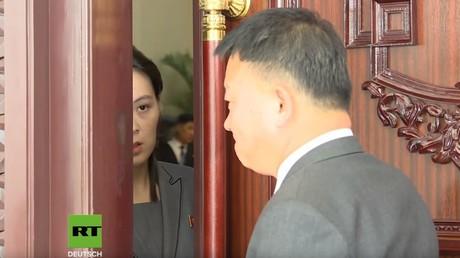 Kim Jong-uns Schwester öffnet die Tür...