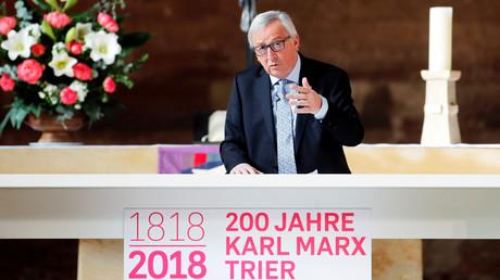EU-Kommissionspräsident Jean-Claude Juncker zeigt sich, seit er Ehrenredner für den 200. Geburtstag von Karl Marx in Trier war, kampfeslustiger gegen die Auswüchse des US-Imperialismus.