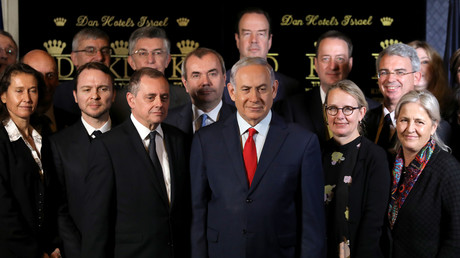 Der israelische Premierminister Benjamin Netanyahu (M) posiert für ein Foto mit den Botschaftern der NATO-Länder in Jerusalem, Israel, am 9. Januar 2018.