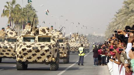 Die katarische Armee während einer Militärparade anlässlich des Nationalfeiertags in Doha am 18. Dezember 2011.