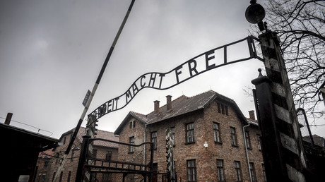 Am 27. Januar 1945 wurde das Konzentrationslager Auschwitz durch die 322. Infanteriedivision der 60. Armee der I. Ukrainischen Front unter dem Oberbefehl von Generaloberst Pawel Alexejewitsch Kurotschkin befreit.