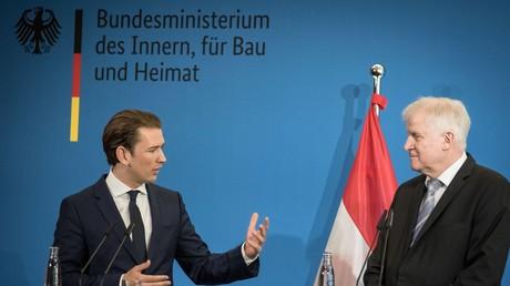 Österreichs Bundeskanzler Sebastian Kurz (l.) traf am Mittwoch den deutschen Innenminister Horst Seehofer.  Im Kampf gegen illegale Migration brauche es laut Kurz eine