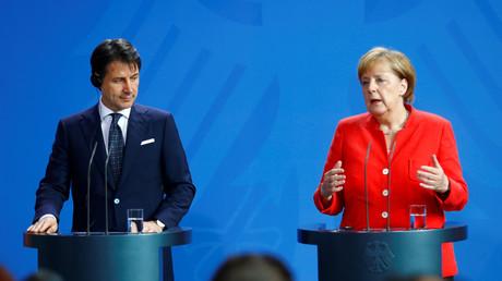 Bundeskanzlerin Angela Merkel und der italienische Ministerpräsident Giuseppe Conte am 18. Juni 2018 bei einer Pressekonferenz im Kanzleramt in Berlin. Am Montag berieten sie über die Flüchtlingspolitik in der EU.