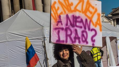Internationale Solidarität: Demonstranten fordern eine Ende der Sanktionen der USA und der EU gegen Venezuela (London, 17. Februar 2018)