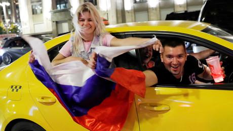 Russland: Nach den ersten beiden Siegen der Nationalmannschaft schwappt eine Welle der Begeisterung durch das Land.