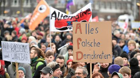 Bremen, 31. Januar 2015: Demonstration gegen den AfD-Parteitag. In der Hansestadt regt sich erneut Protest gegen die rechte Partei.