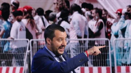 Italiens Innenminister bekräftigt Anlegeverbot für private Rettungsschiffe (Archivbild)